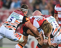 24th September 2021;  Kingsholm Stadium, Gloucester, England; Gallaher Premiership Rugby, Gloucester Rugby versus Leicester Tigers: Eli Snyman and Dan Cole of Leicester Tigers tackle Billy Twelvetrees of Gloucester