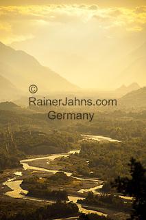 Switzerland, Canton Valais, near Leuk: Rhône-Valley | Schweiz, Kanton Wallis, bei Leuk: das Rhonetal