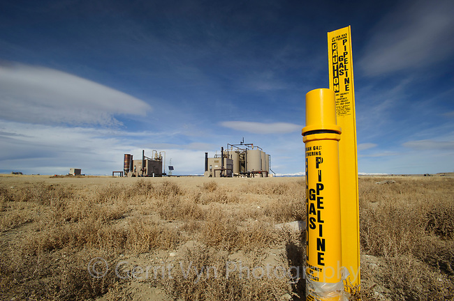 Destructive natural gas development on BLM lands near Pinedale. Sublette County, Wyoming. March.
