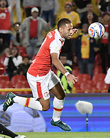 BOGOTA - COLOMBIA, 20-01-2018: Brayan Fernandez jugador de Independiente Santa Fe en acción durante el encuentro entre Independiente Santa Fe y Deportivo Cali por el Torneo Fox Sports 2018 jugado en el estadio Nemesio Camacho El Campin de la ciudad de Bogotá. / Brayan Fernandez player of Independiente Santa Fe in action during match between Independiente Santa Fe and Deportivo Cali for the Fox Sports Tournament 2018 played at Nemesio Camacho El Campin Stadium in Bogota city. Photo: VizzorImage / Gabriel Aponte / Staff.