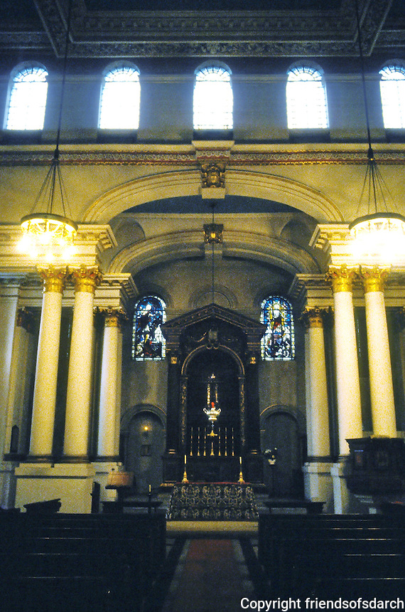 Nicholas Hawksmoor: St. George, Bloomsbury. Altar. Photo '90.