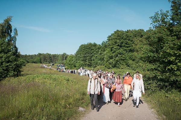 Estland, Insel Naissaar, Choere, Nargen Gesangs-Festival, <br /> <br /> Engl.: Europe, the Baltic, Estonia, Naissaar island, first Naissaar Song Celebration, song festival, culture, visitors, choirs, 28 June 2014<br /> <br /> ||  Sieben herausragende Accapella-Choere aus Estland singen Lieder mit Bezug auf das Meer und geben auch schon einen kleinen Vorgeschmack auf das Repertoire des grossen Saengerfeste in Tallinn.