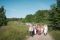 Estland, Insel Naissaar, Choere, Nargen Gesangs-Festival, <br /> <br /> Engl.: Europe, the Baltic, Estonia, Naissaar island, first Naissaar Song Celebration, song festival, culture, visitors, choirs, 28 June 2014<br /> <br />     Sieben herausragende Accapella-Choere aus Estland singen Lieder mit Bezug auf das Meer und geben auch schon einen kleinen Vorgeschmack auf das Repertoire des grossen Saengerfeste in Tallinn.