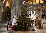 Choristers decorate Winchester Cathedral ahead of reopening