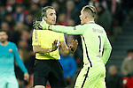 FC Barcelona's Marc-Andre Ter Stegen have words with the referee Fernandez Borbalan during Spanish Kings Cup match. January 05,2017. (ALTERPHOTOS/Acero)