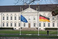 Anlaesslich des internationalen Holocaust-Gedenktag, dem 27. Januar, sind die Deutschland- und die Europafahne vor dem Amtssitz des Bundespraesident auf Halbmast.<br /> 27.1.2020, Berlin<br /> Copyright: Christian-Ditsch.de<br /> [NUR FUER REDAKTIONELLE ZWECKE! Werbung nur auf Anfrage beim Fotografen. Inhaltsveraendernde Manipulation des Fotos nur nach ausdruecklicher Genehmigung des Fotografen. Vereinbarungen ueber Abtretung von Persoenlichkeitsrechten/Model Release der abgebildeten Person/Personen liegen nicht vor. NO MODEL RELEASE! Don't publish without copyright Christian-Ditsch.de, Veroeffentlichung nur mit Fotografennennung, sowie gegen Honorar, MwSt. und Beleg. Konto: I N G - D i B a, IBAN DE58500105175400192269, BIC INGDDEFFXXX, Kontakt: post@christian-ditsch.de<br /> Bei der Bearbeitung der Dateiinformationen darf die Urheberkennzeichnung in den EXIF- und  IPTC-Daten nicht entfernt werden, diese sind in digitalen Medien nach §95c UrhG rechtlich geschuetzt. Der Urhebervermerk wird gemaess §13 UrhG verlangt.]