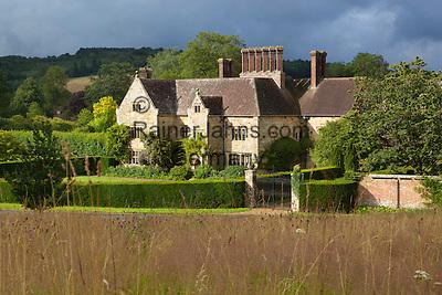 Great Britain, England, East Sussex, Burwash: Bateman's (home of author Rudyard Kipling) | Grossbritannien, England, East Sussex, Burwash: Bateman's aus dem 17. Jh. hier lebte der Schriftsteller Rudyard Kipling bis zu seinem Tod
