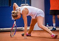Amstelveen, Netherlands, 1 August 2020, NTC, National Tennis Center, National Tennis Championships,  Womans Final Bente Spee (NED) makes a sliding<br /> Photo: Henk Koster/tennisimages.com