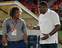 IBAGUÉ -COLOMBIA, 16-09-2015. Alberto Gamero técnico del Deportes Tolima conversa con Hubert Bodhert técnico de Jaguares FC durante el intermedio del partido por la fecha 20 de la Liga Águila II 2016 jugado en el estadio Manuel Murillo Toro de Ibagué. / Alberto Gamero coach of Deportes Tolima talks with Hubert Bodhert coach of Jaguares FC during the halftime of the match for the date 20 of the Aguila League II 2016 played at Manuel Murillo Toro stadium in Ibague city. Photo: VizzorImage / Juan Carlos Escobar / Str