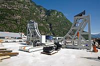 Airlight Energy, Biasca, Airlight Energy, Biasca,macchina per la fabbricazione delle travi in calcestruzzo fibrato per il collettore solare