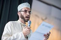 Feier zum einjaehrigen Bestehen der liberalen Ibn Rushd-Goethe Moschee in Berlin-Moabit.<br /> Die Ibn-Rushd-Goethe-Moschee ist eine liberale Moschee in Berlin. Sie wurde am 16. Juni 2017 eroeffnet. Ihre Gruendung geht massgeblich auf die Rechtsanwaeltin und Frauenrechtlerin Seyran Ates zurueck.<br /> Die Benennung der Moschee erfolgte nach dem andalusischen Arzt und Philosophen Averroes (arab. Ibn Ruschd, 1126–1198), der im Mittelalter fuer seine Kommentare zum Werk von Aristoteles bekannt war, sowie nach dem deutschen Dichter Johann Wolfgang von Goethe (1749–1832) in Wuerdigung seiner Auseinandersetzung.<br /> In der Moschee wird ein liberaler Islam praktiziert. So sollen Frauen und Maenner gemeinsam beten, auch wird die Predigt von Frauen gesprochen. Homosexuelle Maenner und Frauen sind ausdruecklich willkommen. Die Moschee steht verschiedenen islamischen Konfessionen offen stehen, darunter Sunniten, Schiiten, Aleviten und Sufis.<br /> Im Bild: Imam Dr. Ludovic Mohamed Zahed aus Frankreich. Er ist der einzige offen schwul lebende Imam Europas.<br /> 15.6.2018, Berlin<br /> Copyright: Christian-Ditsch.de<br /> [Inhaltsveraendernde Manipulation des Fotos nur nach ausdruecklicher Genehmigung des Fotografen. Vereinbarungen ueber Abtretung von Persoenlichkeitsrechten/Model Release der abgebildeten Person/Personen liegen nicht vor. NO MODEL RELEASE! Nur fuer Redaktionelle Zwecke. Don't publish without copyright Christian-Ditsch.de, Veroeffentlichung nur mit Fotografennennung, sowie gegen Honorar, MwSt. und Beleg. Konto: I N G - D i B a, IBAN DE58500105175400192269, BIC INGDDEFFXXX, Kontakt: post@christian-ditsch.de<br /> Bei der Bearbeitung der Dateiinformationen darf die Urheberkennzeichnung in den EXIF- und  IPTC-Daten nicht entfernt werden, diese sind in digitalen Medien nach §95c UrhG rechtlich geschuetzt. Der Urhebervermerk wird gemaess §13 UrhG verlangt.]