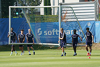 Junge Spieler Patric Pfeiffer (SV Darmstadt 98), Ensar Arslan (SV Darmstadt 98), Leon Müller (SV Darmstadt 98), Lars Lukas Mai (SV Darmstadt 98), Braydon Manu (SV Darmstadt 98) holen das Tor - 01.08.2020: SV Darmstadt 98 Trainingsauftakt, Stadion am Boellenfalltor, 2. Bundesliga, emonline, emspor<br /> <br /> DISCLAIMER: <br /> DFL regulations prohibit any use of photographs as image sequences and/or quasi-video.