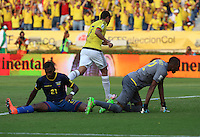 BARRANQUILLA - COLOMBIA -29-03-2016: Carlos Bacca jugador de Colombia celebra después de anotar un gol a Ecuador durante partido de la fecha 6 para la clasificación a la Copa Mundial de la FIFA Rusia 2018 jugado en el estadio Metropolitano Roberto Melendez en Barranquilla./  Carlos Bacca  player of Colombia celebrates a goal against Ecuador during match of the date 6 for the qualifier to FIFA World Cup Russia 2018 played at Metropolitan stadium Roberto Melendez in Barranquilla. Photo: VizzorImage / Ivan Valencia / Cont
