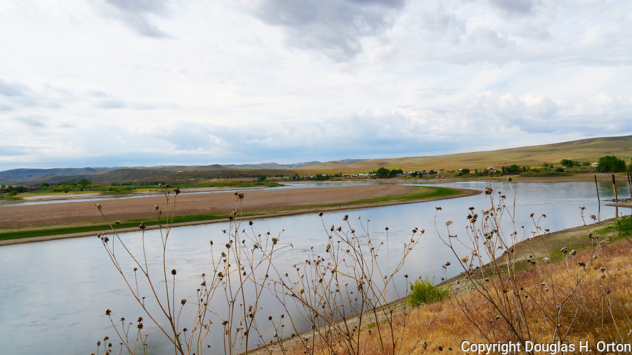 """Farewell Bend, on the Snake River in eastern Oregon, a site where Oregon Trail emigrants often said """"goodbye"""" to fellow travelors.  Farewell Bend State Recreation Area, Oregon State Parks."""