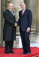 Le President Jacques CHIRAC et Le Roi Albert II de Belgique - Le Roi Albert II et la Reine Paola de Belgique ont ete reÁus, par le President Jacques CHIRAC et son epouse Bernadette, a l'Elysee, pour une Visite d'Etat. #