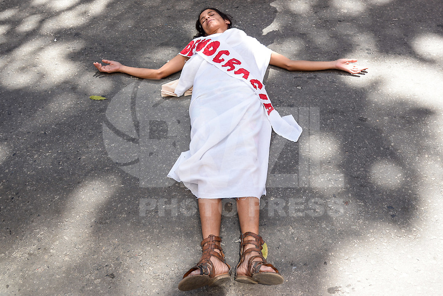 RIO DE JANEIRO, RJ, 07.09.2018 - DESFILE-INDEPENDÊNCIA - Grito dos excluídos durante. desfile comemorativo a Independência do Brasil, no Rio de Janeiro nesta sexta-feira, 07. (Foto: Clever Felix/Brazil Photo Press)