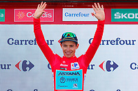 ESPAÑA, 28-08-2019: Miguel Angel lopez (COL - ASTANA) celebra con el maillot rojo lider general después de la etapa 5, hoy, 28 de agosto de 2019, que se corrió entre L' Eliana y el Observatorio Astrofísico de Javalambre con una distancia de 170,7 km como parte de La Vuelta a España 2019 que se disputa entre el 24/08 y el 15/09/2019 en territorio Español. / Miguel Angel lopez (COL - ASTANA) celebrates with red leader jersey after stage 5 today, August 28, 2019, from L'Eliana to Javalambre Astrophysical Observatory with a distance of 170,7 km as part of Tour of Spain 2019 which takes place between 08/24 and 09/15/2019 in Spain.  Photo: VizzorImage / Luis Angel Gomez / ASO<br />