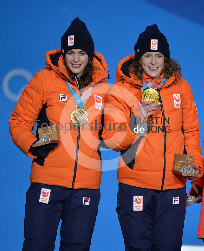 OLYMPIC GAMES: PYEONGCHANG: 13-02-2018, Medals Plaza, Victories Ceremony, Podium 1500m Ladies Long Track Speed Skating, Ireen Wüst (NED), Marrit Leenstra (NED), ©photo Martin de Jong