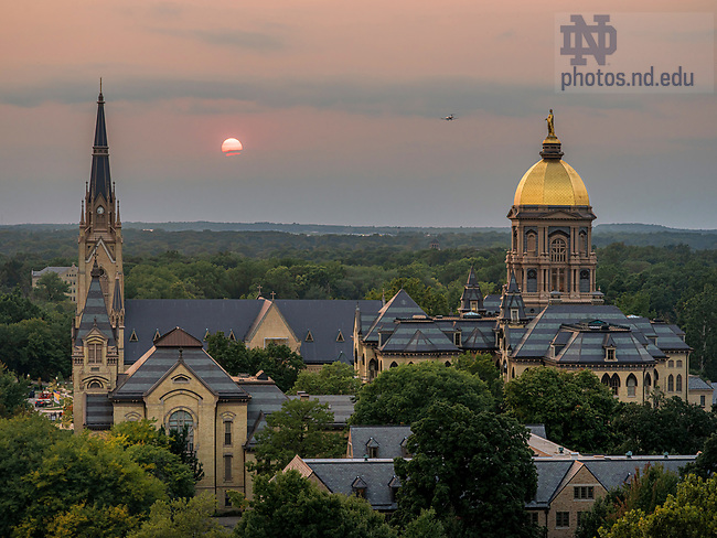 September 16, 2020; Hazy sunset over campus due to western wildfires (Photo by Matt Cashore/University of Notre Dame)