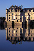 France, castle, Loire Valley, Chenonceau, Loire Castle Region, Indre-et-Loire, Europe, Reflection of 16th century Chateau de Chenonceau in the Cher River.