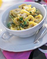 "Europe/Italie/Emilie-Romagne/Bologne : Restaurant ""Diana"" Les pates tortellinis"