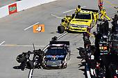 Todd Gilliland, Kyle Busch Motorsports, Toyota Tundra Mobil 1, Cody Coughlin, GMS Racing, Chevrolet Silverado Jeg's.com , makes a pit stop.
