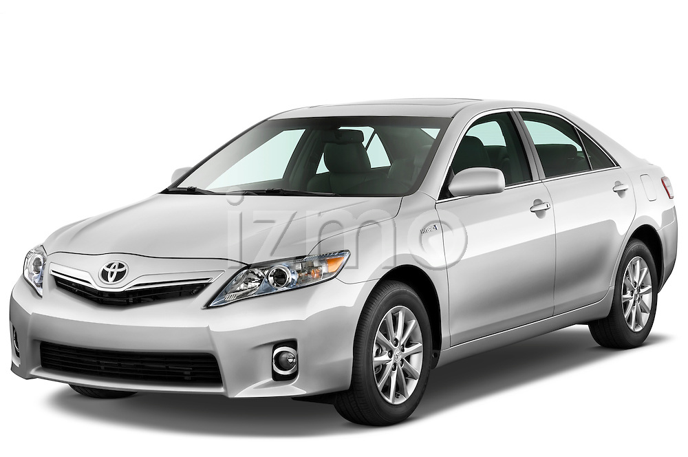 Front three quarter view of a 2010 Toyota Camry Hybrid.