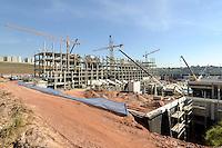 SAO PAULO, SP, 04 AGOSTO 2012 – COPA 2014 – OBRAS ITAQUERÃO – Operarios sao visto no canteiro de obras do Itaquerão, novo estádio do Corinthians que será sede da abertura da Copa do Mundo, em 2014, neste sabado, 04. (FOTO: LEVI BIANCO / BRAZIL PHOTO PRESS).
