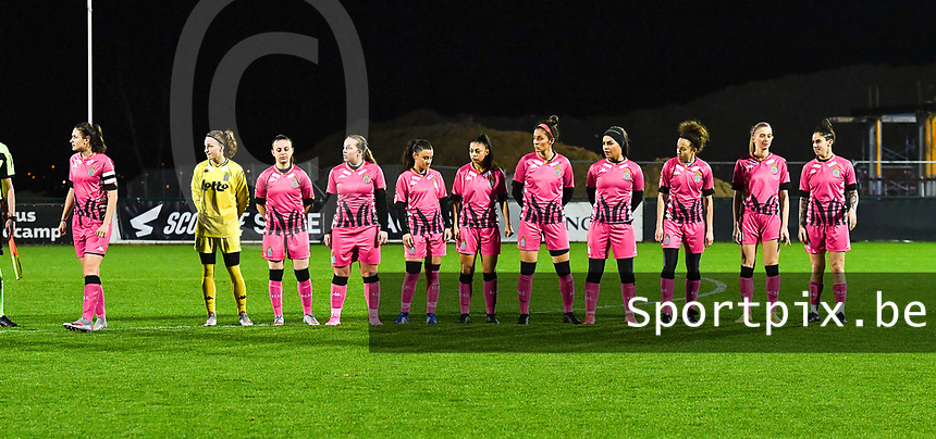 players of Charleroi pictured standing in line during a female soccer game between RSC Anderlecht Dames and Sporting Charleroi on the 13 th matchday of the 2020 - 2021 season of Belgian Womens Super League , friday 5 th of February 2021  in Tubize , Belgium . PHOTO SPORTPIX.BE | SPP | DAVID CATRY