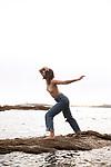 MOONTRA<br /> <br /> Danse : Axelle Lagier<br /> Lieu : Perros-Guirec<br /> Date : 08/2020