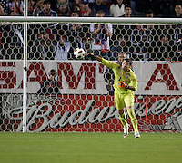 CARSON, CA – JANUARY 22: Chile goalie Paulo Garces (1) during the international friendly match between USA and Chile at the Home Depot Center, January 22, 2011 in Carson, California. Final score USA 1, Chile 1.