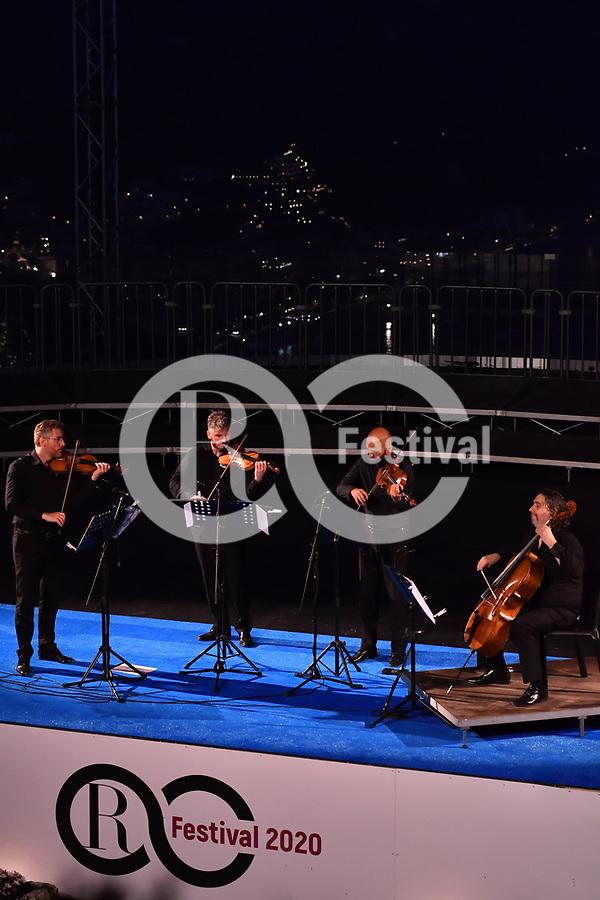Sul Belvedere di Villa Rufolo, <br /> Quartetto di Cremona<br /> Cristiano Gualco, Paolo Andreoli, violini<br /> Simone Gramaglia, viola<br /> Giovanni Scaglione, cello<br /> Musiche di Beethoven