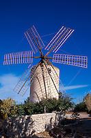 Spanien, Balearen, Ibiza, Windmühle aus dem 18. Jh. auf dem Puig d'en Valls