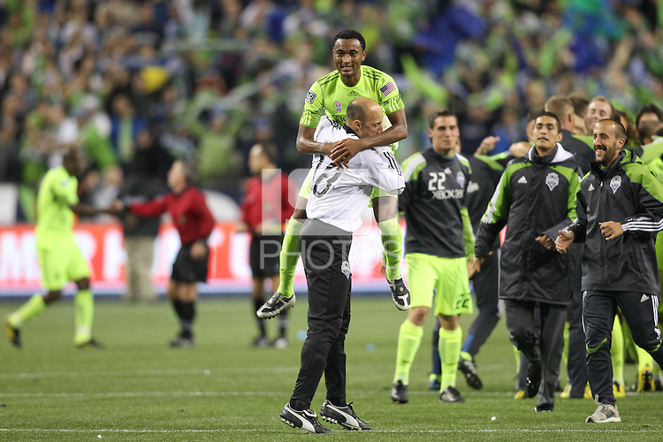 Kasey Keller (18 )of the Seattle Sounders FC celebrates with teamates. The Seattle Sounders FC defeated the Columbus Crew 2-1 during the US Open Cup Final at Qwest Field in Seattle,WA, on October 5, 2010.
