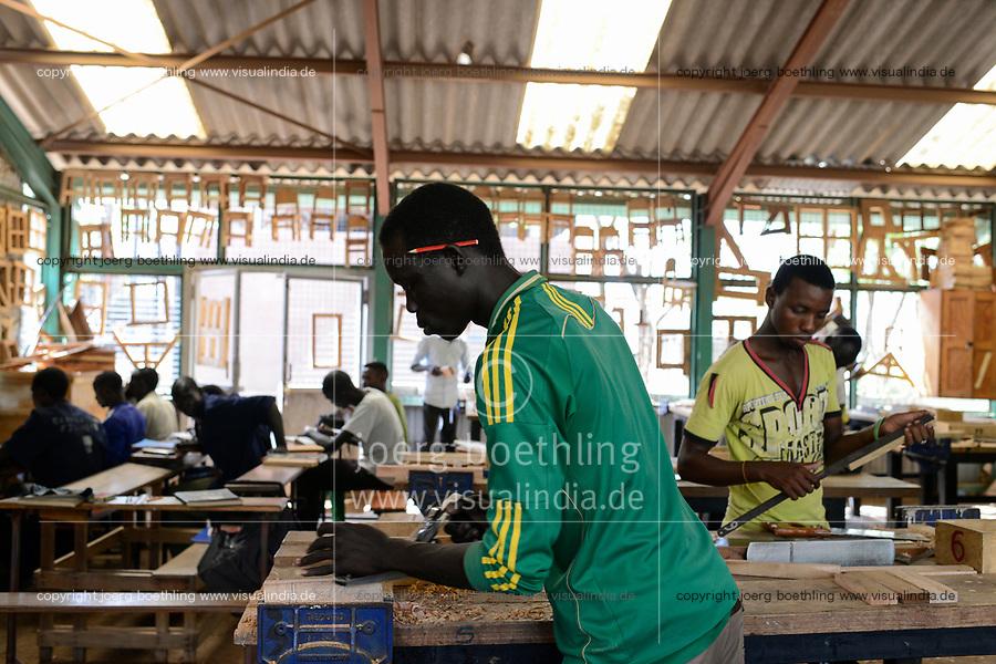 KENYA, Turkana, refugee camp Kakuma, Don Bosco vocational training / KENIA, Turkana, Fluechtlingslager Kakuma, Don Bosco Berufsschule