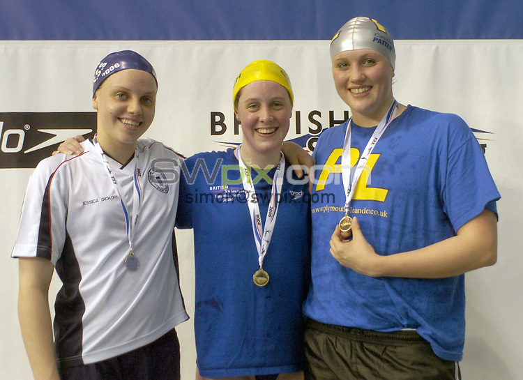 Pix: Chris Whiteoak/SWpix.com. Swimming, British Long Course Swimming Championships, 4/4/06..copyright picture>>simon wilkinson>>07811267706>>..Winners of the womens 400m Indivdual medley gold Hannah Miley (M) silver Jessica Dicons (L) and bronze Cassandra Patten