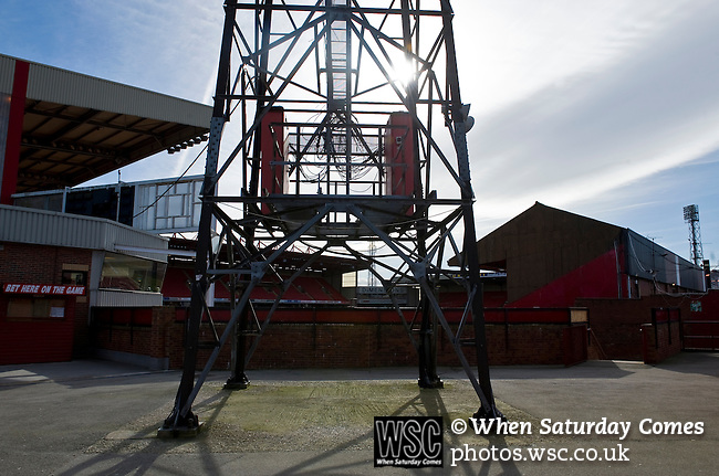 Barnsley 1 Millwall 0, 22/02/2014. Oakwell, Championship. Millwall make the journey from south London to South Yorkshire for a Championship relegation battle with Barnsley. A traditional floodlight on the corner of the West Stand and North Stand where away supporters are housed. Photo by Simon Gill.