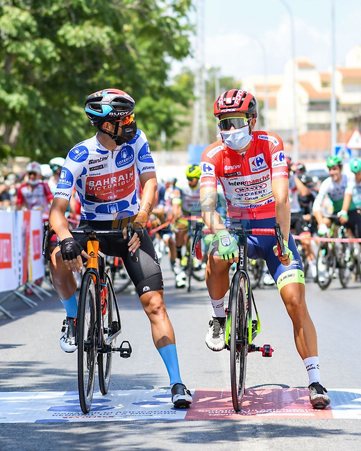 Polka Dot Jersey Damiano Caruso (ITA) Bahrain Victorious and race leader Odd Christian Eiking (NOR) Intermarché-Wanty-Gobert Matériaux line up for the start of Stage 11 of La Vuelta d'Espana 2021, running 133.6km from Antequera to Valdepeñas de Jaén, Spain. 25th August 2021.     <br /> Picture: Cxcling | Cyclefile<br /> <br /> All photos usage must carry mandatory copyright credit (© Cyclefile | Cxcling)