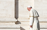 Papa Francesco visita la chiesa della Porziuncola, all'interno della Basilica di Santa Maria degli Angeli, in occasione dell'800esimo anniversario del Perdono di Assisi, 4 agosto 2016.<br /> Pope Francis leaves at the end of his visit to the Porziuncola chapel at Santa Maria degli Angeli church to mark the 800th anniversary of the Pardon of Assisi, 4 August 2016.<br /> UPDATE IMAGES PRESS/Riccardo De Luca<br /> <br /> STRICTLY ONLY FOR EDITORIAL USE