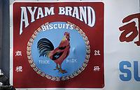 Asie/Malaisie/Bornéo/Sarawak/Kuching: Enseigne d'une marque de biscuit avec un coq représenté