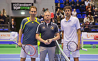Rotterdam, Netherlands, December 20, 2015,  Topsport Centrum, Lotto NK Tennis, KNLTB, Final mens single Matwe Middelkoop (L) and Robin Haase (NED)<br /> Photo: Tennisimages/Henk Koster