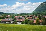 Deutschland, Bayern, Chiemgau, Unterwoessen im Schlechinger Tal   Germany, Bavaria, Chiemgau, Unterwoessen at Schleching Valley