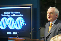 .18/06/2006 . An Taoiseach Bertie Ahern TD,at the launch of the Government's new strategy for Science Technology and Innovation 2013 at Government Buildings, Dublin..Photo: Collins