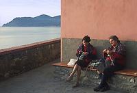 - Liguria, Cinque Terre, donne anziane lavorano la lana nel villaggio di Manarola<br /> <br /> - Liguria, Cinque Terre, elderly women work wool in the village of Manarola