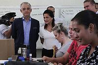 CAMPINAS, SP, 04.10.2018: ELEIÇÕES-SP - O governador e candidato ao governo de São Paulo, Márcio França (PSB), realizou uma visita técnica no ETECRI em Campinas, interior de São Paulo, na manhã desta quinta-feira (04). O governador foi acompanhado pela sua esposa, Lucia França e o prefeito de Campinas, Jonas Donizetti (PSB). (Foto: Luciano Claudino/Código19)