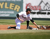 2007:  Michael Hollimon of the Erie Seawolves tags a base runner while covering second base vs. the Bowie Baysox in Eastern League baseball action.  Photo copyright Mike Janes Photography 2007.