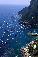 Italien, Capri, Blick vom Belvedere Punta Cannone auf Marina Piccola