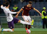 Calcio, Serie A: Roma vs Fiorentina. Roma, stadio Olimpico, 4 marzo 2016.<br /> Roma's Stephan El Shaarawy, right, is challenged by Fiorentina's Davide Astori during the Italian Serie A football match between Roma and Fiorentina at Rome's Olympic stadium, 4 March 2016.<br /> UPDATE IMAGES PRESS/Riccardo De Luca