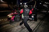 #86 Meyer Shank Racing w/Curb-Agajanian Acura NSX GT3, GTD: Mario Farnbacher, Matt McMurry, Shinya Michimi , pit stop