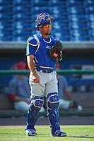 Dunedin Blue Jays catcher Michael De La Cruz (10)a during practice before a game against the Clearwater Threshers on April 8, 2016 at Bright House Field in Clearwater, Florida.  Dunedin defeated Clearwater 8-3.  (Mike Janes/Four Seam Images)